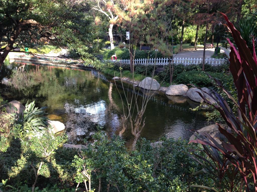 水池的四季及日夜景緻也不盡相同