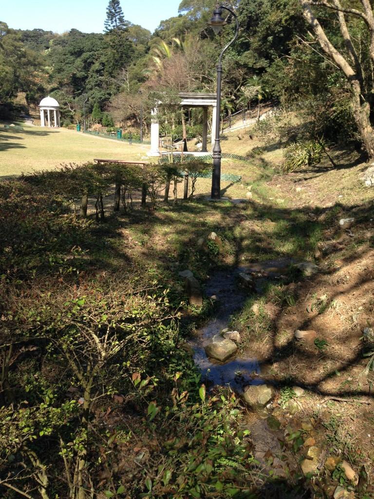 山頂花園小橋流水