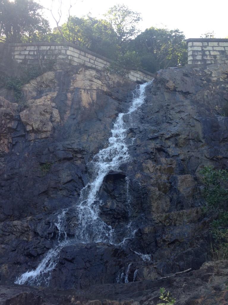 九龍水塘的瀑布